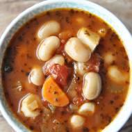 Wegetariańska zupa fasolowa