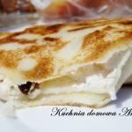 Naleśniki z serem, rodzynkami i skórką pomarańczową
