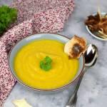 Zupa curry z pietruszki i jabłka