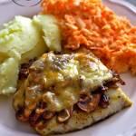 Ryba zapiekana pod pieczarkowo-serową kołderką