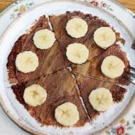 Placek z tapioki z bananem, masłem orzechowym i czekoladą