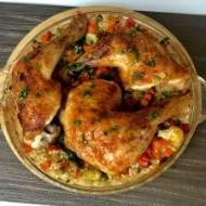 Kurczak pieczony na ryżu z warzywami