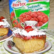 ciasto ucierane z chałwą,truskawkami,galaretką,bitą smietaną...