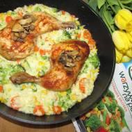 Kurczak z warzywami na patelni i ryżem