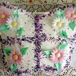 Tort biszkoptowy z malinami - Motylek