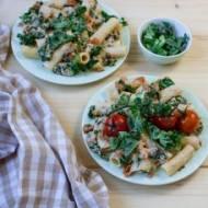 Makaron tortiglioni z jarmużem i tuńczykiem