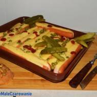 PRL - owskie parówki zapiekane z serem i groszkiem