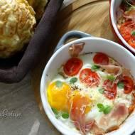 Zapiekane jajka z szynką parmeńską