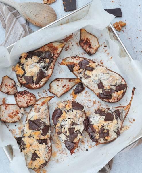 Pieczone gruszki z orzechami