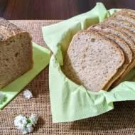 Chleb na wodzie z kiszonych ogórków.