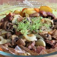 Karkówka pieczona w rękawie wraz z ziemniakami, marchewką i pieczarkami