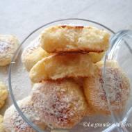Kokosowe ciasteczka z ricottą, bez jajek (Biscotti al cocco e ricotta)