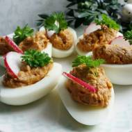 Jajka faszerowane pastą rybną