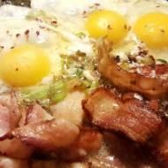 Jajka sadzone z boczkiem