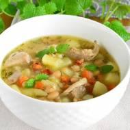 ZUPA FASOLOWA: przepis na zupę fasolową z ziemniakami