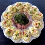 Brokułowe jajeczka faszerowane