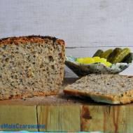 Chleb pszenny na zakwasie z czarnuszką i złotym lnem