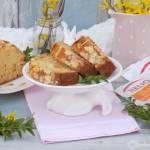 Wielkanocny keks z migdałami i skórką pomarańczową.