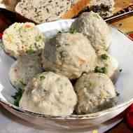 Delikatne pulpeciki z indyka z komosą ryżową i pestkami dyni