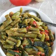 Jarzynka do obiadu: zielona fasolka z cukinią i pomidorem