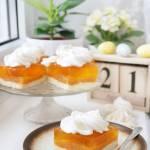 Ciasto z jabłkami i galaretką brzoskwiniową