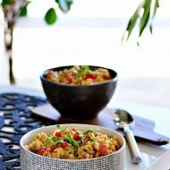 Sałatka ryżowa zkurczakiem iprażonym słonecznikiem