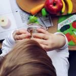Kalendarz warzyw i owoców sezonowych w diecie dziecka