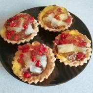 Tartaletki z granatem i ananasem