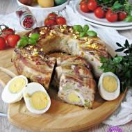 Mięsna babka z sosem tatarskim i kolorowym wnętrzem