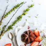 Kakaowa pana cotta z truskawkami