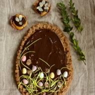 Mazurek z kremem czekoladowym i solonym kajmakiem