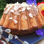 Wielkanocna babka kajmakowa