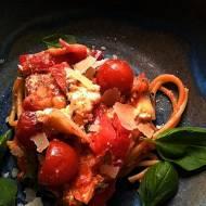 Makaron  z pomidorami pieczony w piekarniku