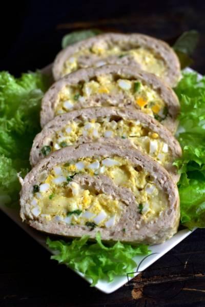 Drobiowa rolada z jajkami i serem