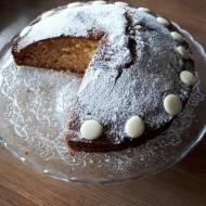 Wielkanocne ciasto z białą czekoladą