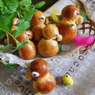 Drożdżowe kaczuszki z karmelem.