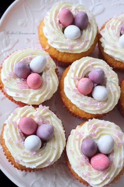 Wielkanocne Babeczki z Jajeczkami