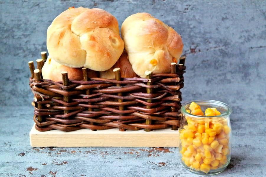 Bułeczki drożdżowe z kukurydzą