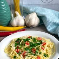 Spaghetti z oliwą, chili i czosnkiem