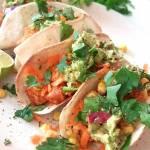 Tacos z kurczakiem, marchewką i guacamole