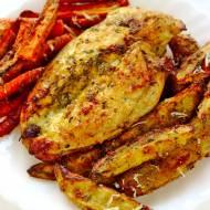 Kurczak w parmezanie z ziemniakami i marchewką z piekarnika