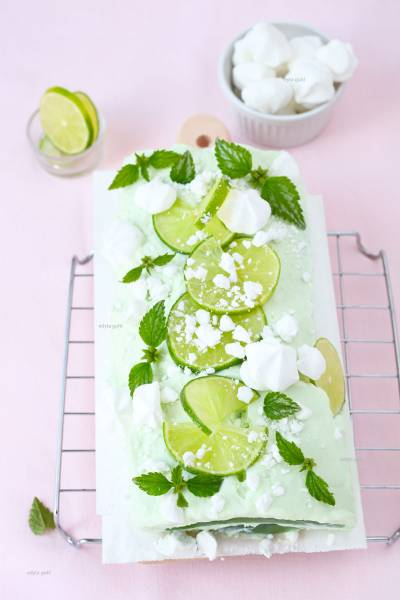 Orzeźwiający deser z jogurtem i limonką