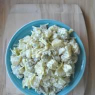 Sałatka z ziemniakami, porem i ogórkami konserwowymi