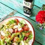 Wiosenna sałatka z olejem z czarnego sezamu