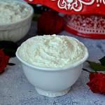KREM RAFFAELLO z białą czekoladą i śnieżką
