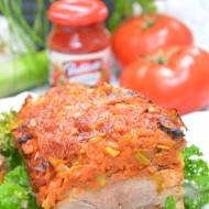 Szynka nadziewana pomidorowymi jarzynami