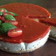 Wytrawny sernik z galaretką pomidorową