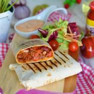 Domowe meksykańskie burrito