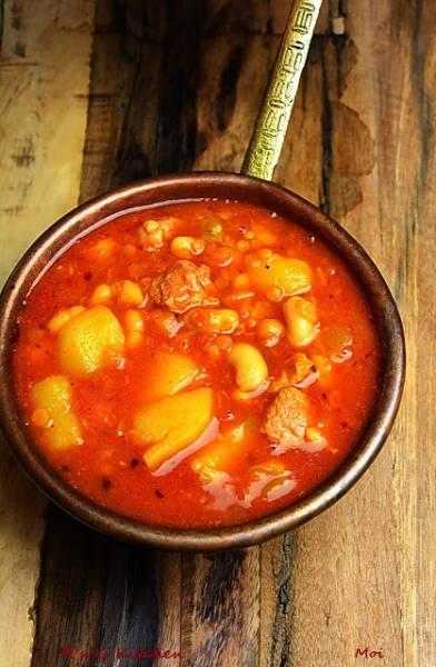 Zupa fasolowa z cielęciną