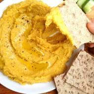 Hummus z dyni, bogactwo witaminy A oraz pełnowartościowa wegańska przekąska